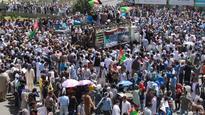 Suicide bomber hits Hazara rally in Kabul