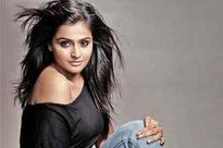 Remya Nambeesan sings for Vijay Sethupathi