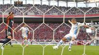 Frontale keep pressure on Reds