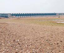 Water in Almatti hits dead storage level