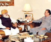 Panama leaks scandal: Maulana Fazl advises Zardari to meet Nawaz