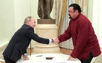 Ukraine bans American actor Steven Seagal as a threat to national security