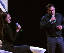 Salman-Anushka during promotional event of Sultan