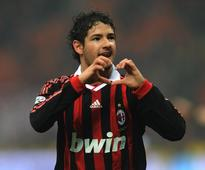 Ronaldo's welcome to a 17-year-old Alexandre Pato at Milan was absolutely priceless
