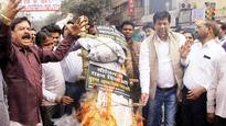 Sealing drive protest: Traders won't send kids to school
