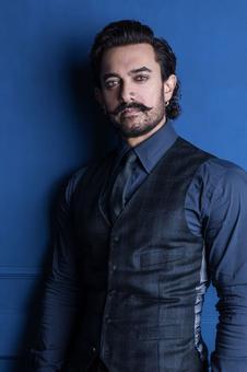 `Aamir Khan ka Pehla Nasha` rakes up social media hysteria on Valentine`s Day!