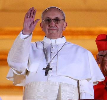 Pope Francis opens free laundromat for homeless