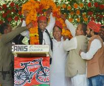 Venkaiah Naidu slams Akhilesh Yadav for