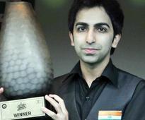 Advani wins Kolkata Open Snooker Championship