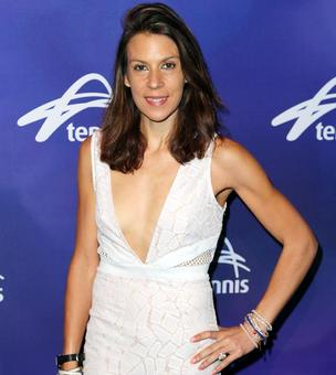 Former Wimbledon champion Bartoli announces return to tennis