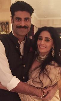 Sikandar Kher gets engaged!