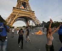 Eiffel Tower closed after #Euro2016 violence