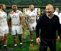 Rugby-Jones holds 'amicable' talks with English clubs after camp injuries