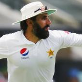 Misbah-ul-Haq undecided over captaincy, Younis Khan shows interest