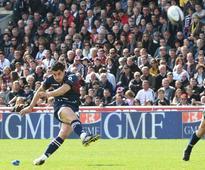 Fly-half Bernard signs for Toulon