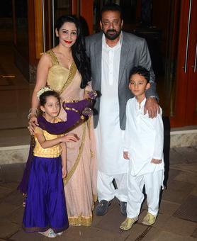 PIX: Sanjay Dutt, Maanyata celebrate Diwali with Jacqueline!