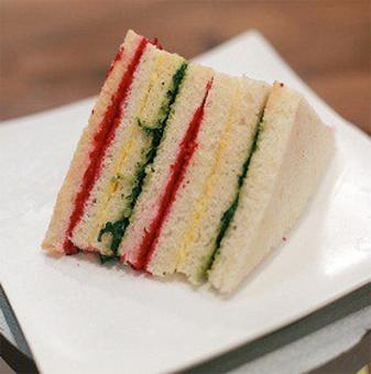 Recipe: How to make a rainbow sandwich