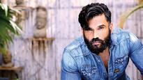 Suniel Shetty visits hometown Mangalore on a SURFING MISSION