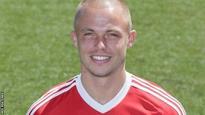 Fleetwood sign Dutch midfielder Kip