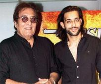 Vinod Khanna to spin off a series on Os... Vinod Khanna to spin off a series on Osho