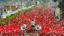 Mumbai Farmers 'Maha-March' updates: 50,000 protesters turns country's financial capital into sea of red; CM Fadnavis to meet Kisan Sabha at 2pm