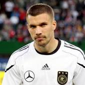 Podolski quits international soccer