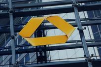 UPDATE 1-Commerzbank profits, capital down on higher risky assets