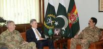 US officials call on Gen Sharif