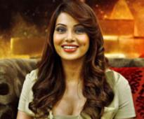 Jaane Bhi Do Yaaro chills down Bipasha