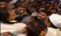 Ahead of UP assembly elections 2017, Raj Babbar caught exhibiting physical aggression on Congress worker (Watch Video)