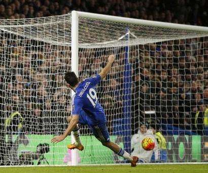 Late Costa strike helps Chelsea hold Man United to a draw