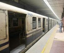 Spark in third rail, passengers evacuated from metro train