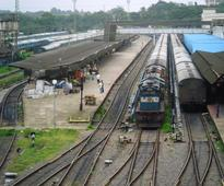 Railway union threatens to go on