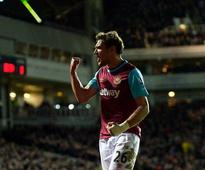 West Ham United striker Nikica Jelavic moves to Chinese second-tier club