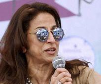 Twitterati slams Shobhaa De for her 'advise' to Swaraj