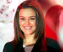 Preity Zinta makes her debu...