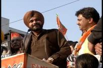 Warning signals from Punjab force BJP to reach out to Navjot Sidhu
