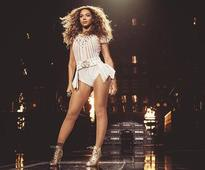 Beyonce delays concert due to bad weather