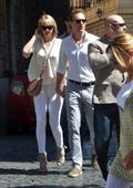 Hiddleswift can't keep hands off each other during Roman holiday
