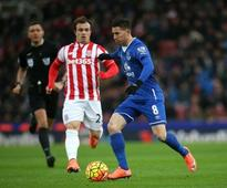 Manchester United vs Everton team news: Bryan Oviedo, Kevin Mirallas and John Stones all available