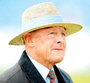 IND vs ENG: Painful back problem forces Sir Geoffrey Boycott to head home