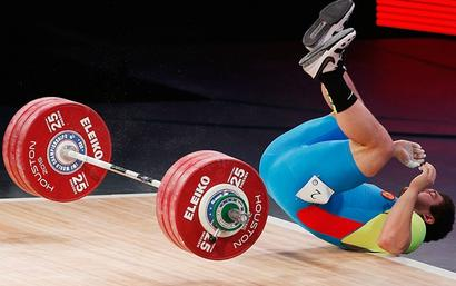 Russia says weightlifting ban is a 'psychotic episode'
