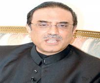 Zardari gradually passing on powers to Bilawal