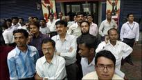 Post bank scams, Sensex tanks 462.10pts