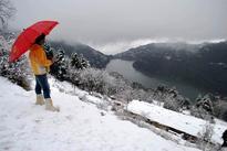 Heavy snowfall, rain bring down temperatures in Uttarakhand