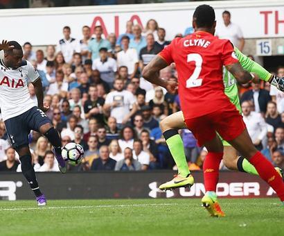 EPL PHOTOS: Tottenham's Rose denies Liverpool victory