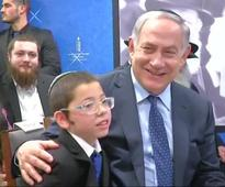 Netanyahu pays tribute to 26/11 victims; meets survivor Moshe in Mumbai
