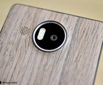 Hands on with the new Black Walnut and Light Oak shells from Mozo for the Lumia 950 and 950 XL