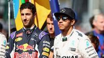 Ricciardo eats Hamilton's dust in qualifying