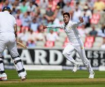 Alastair Cook and Joe Root centuries help England dominate day one of second Test against Pakistan